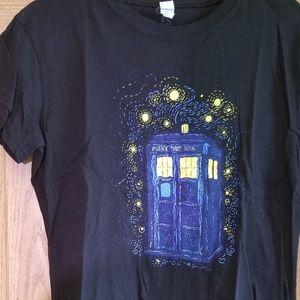 Doctor Who Tardis/ Starry Night mashup tshirt